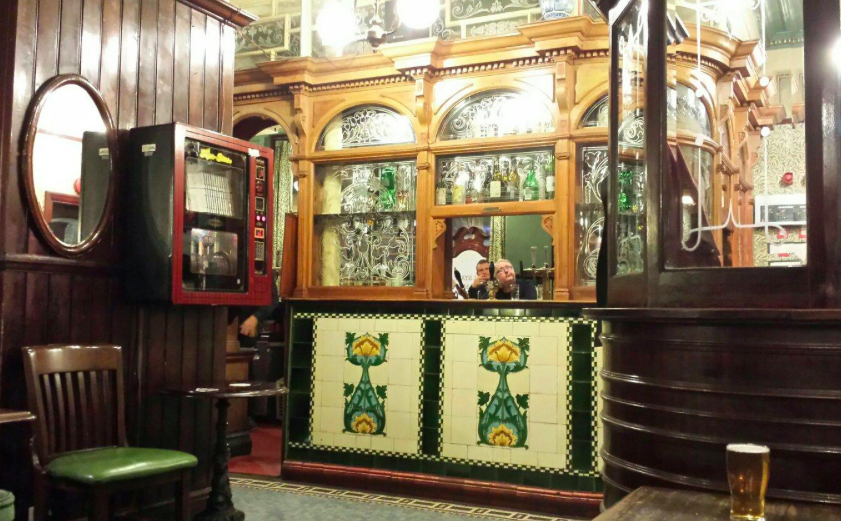 lion tavern pub liverpool interior