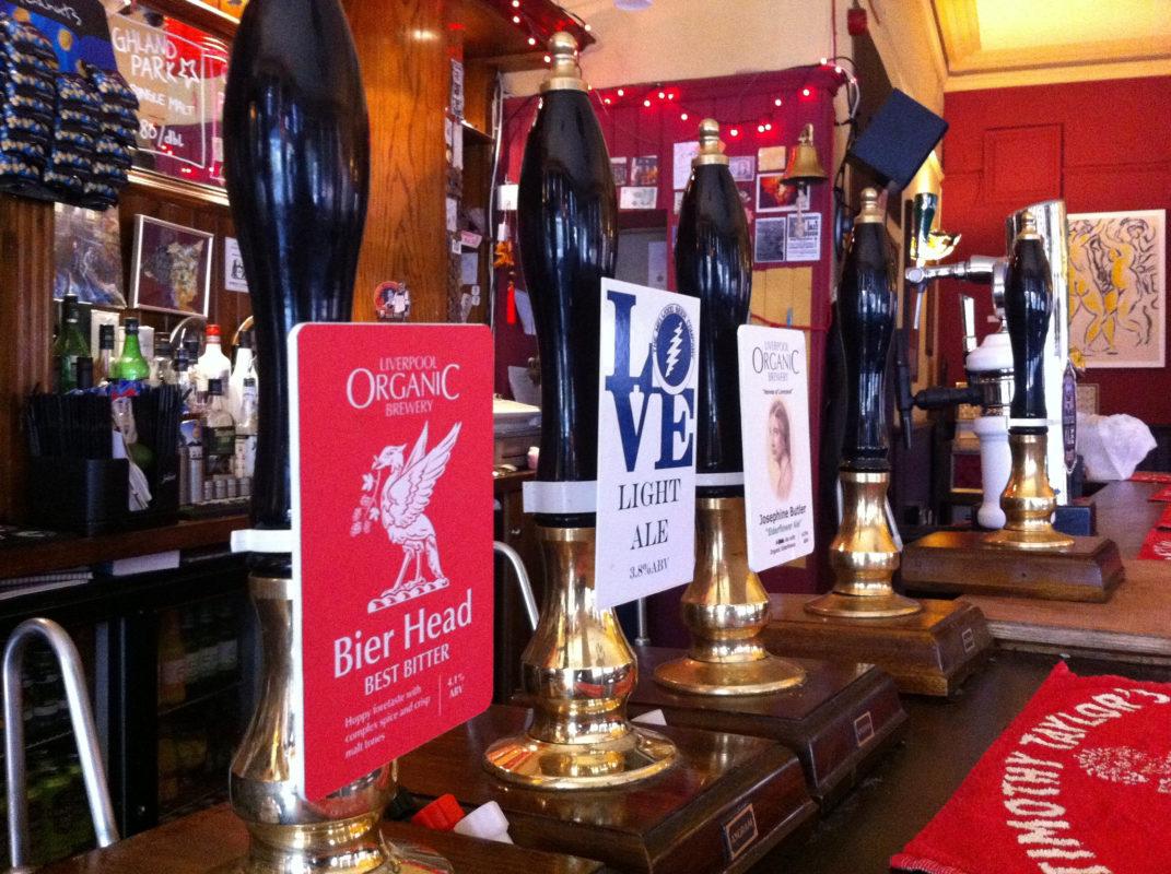 The Caledonia pub Liverpool bar